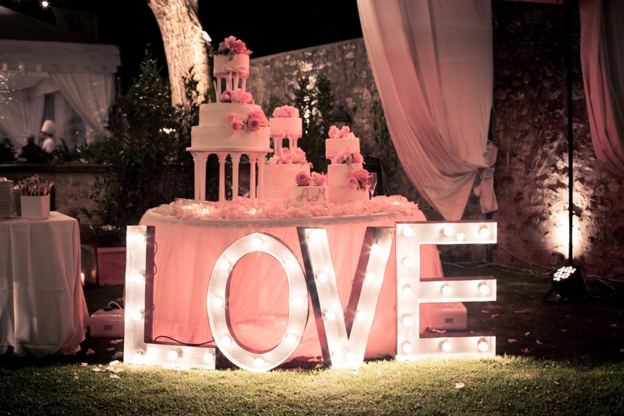 Tavolo wedding cake con scritta love